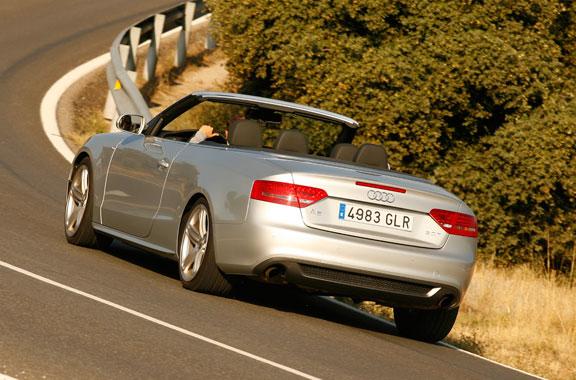 Audi A5 2.0 TFSI Vs Lexus IS 250C