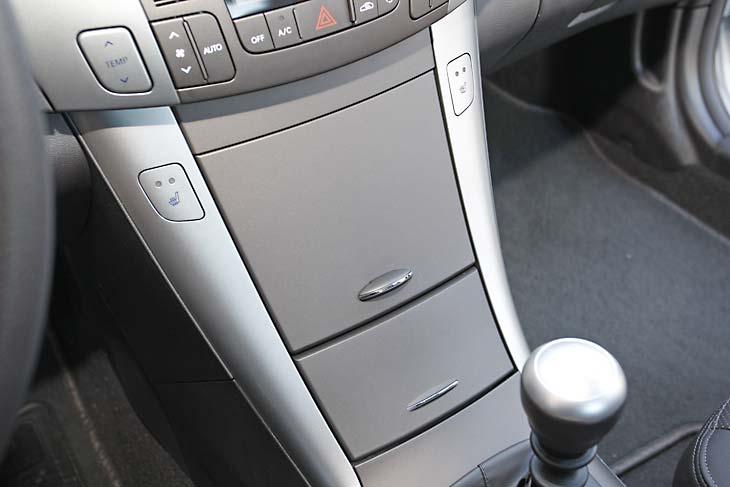 Hyundai Sonata CRDI detalle