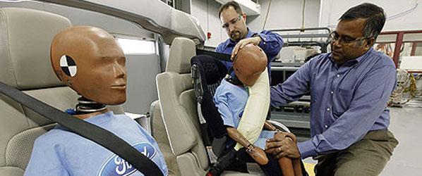 Llega el cinturón airbag de Ford