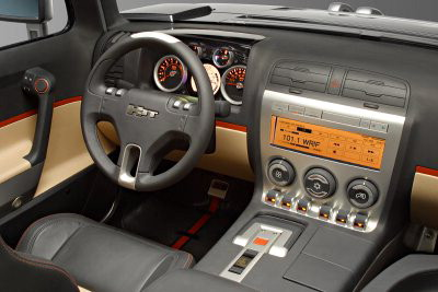 Hummer en el Salón de Detroit 2004
