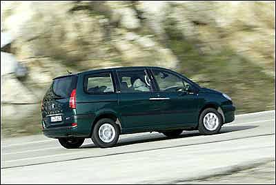 Peugeot 807 2.2 HDI SV