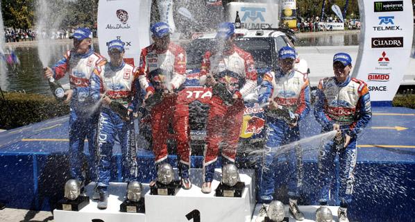 Loeb se hace con la victoria tras el abandono de Ogier