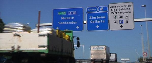 Gobierno vasco ensaya el viernes en la A-8 el primer carril reversible de Euskadi, destinado a 'solucionar atascos'