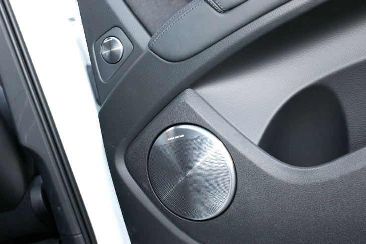 Audi Q7 V12 6.0 TDI, al detalle