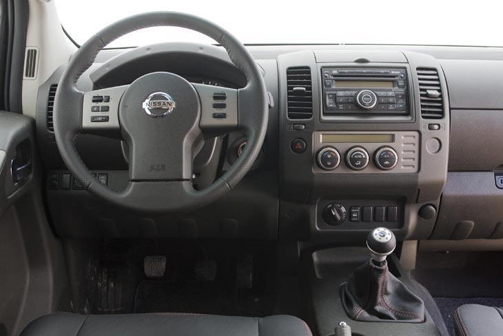 Nissan Navara 2.5 dCi SE