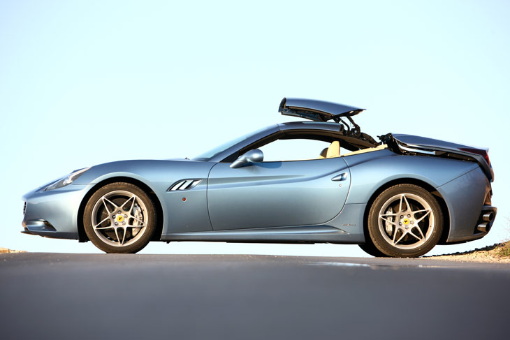 Ferrari California: de coupé a descapotable