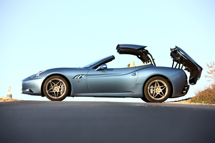 Ferrari California: de coupé a descapotable