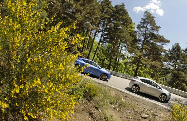 Opel Astra GTC 1.6 Turbo vs Renault Mégane Coupé 2.0 TCe