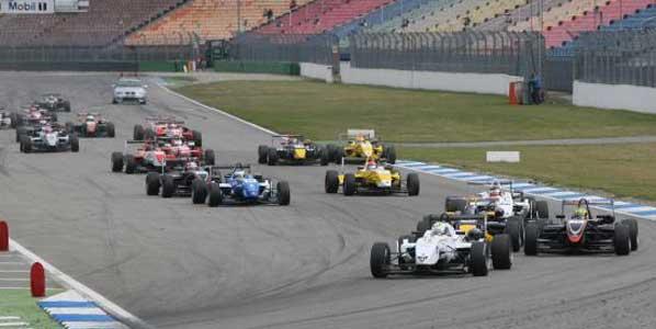Ricciardo sigue líder