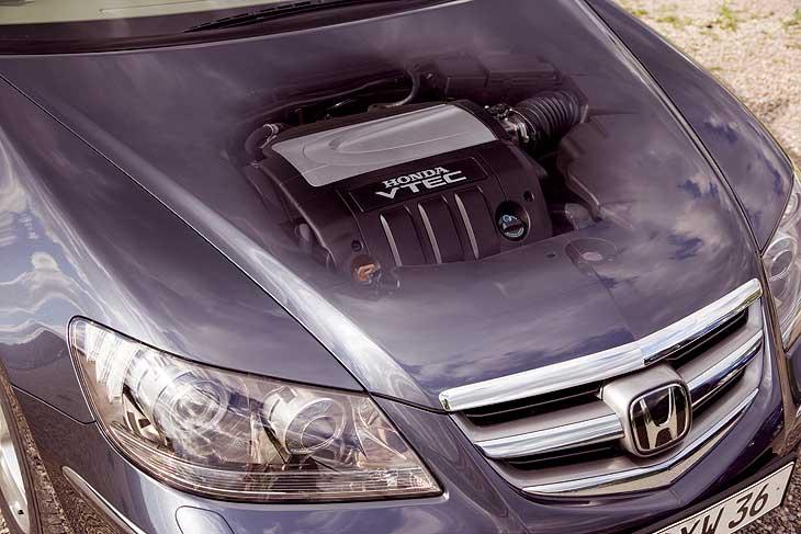 Honda Legend detalles