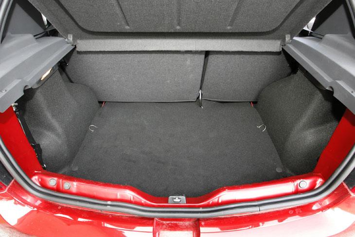 Dacia Sandero vs. Peugeot 206+, al detalle
