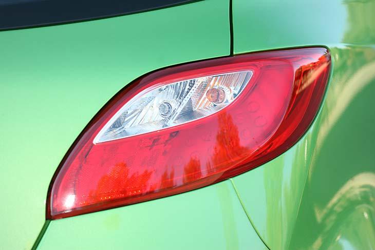Comparativa Seat Ibiza vs Mazda2 detalles