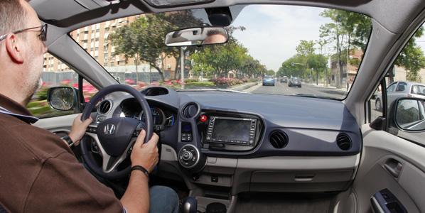 Una conducción eficiente ahorra 500 euros anuales