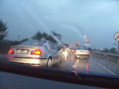 Las lluvias complican la circulación a los conductores