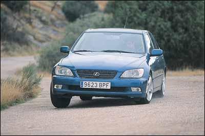 Ford Mondeo ST 220 Wagon / Lexus IS SportCross / Subaru Impreza 2.0T WRX AWD SW
