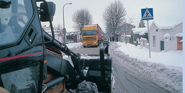 La nieve llega a las carreteras
