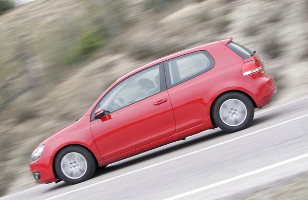 Citroën C4 1.6 HDi/90 vs Toyota Auris 1.4 D-4D/90 y VW Golf 1.6 TDi/90