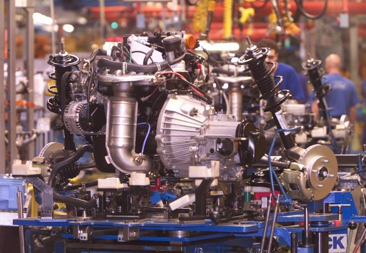 Línea de revestimiento final de los motores que se realiza en el área de montaje final.