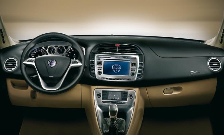 Nuevo Lancia Delta: lo conducimos