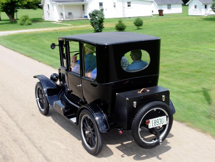 El Ford T cumple cien años