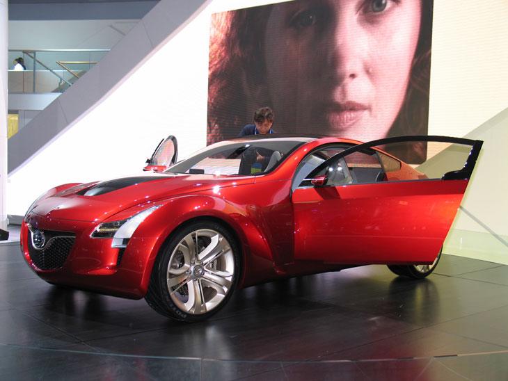 Mazda: Kabura y CX-7, lo más nuevo