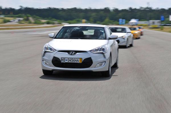 Hyundai Veloster el contacto