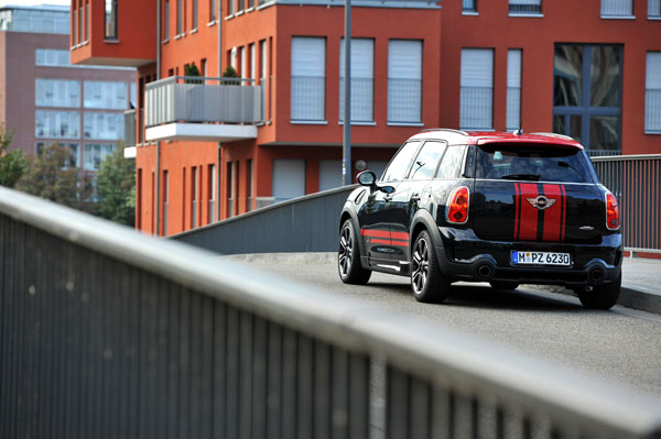 Mini Countryman John Cooper Works el contacto