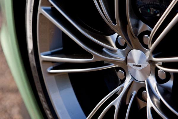Aston Martin Vanquish Apple Green