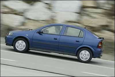 Opel Astra 2.2 DTi