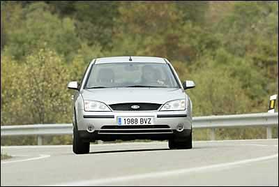 Ford Mondeo 2.5i V6 5 Tronic