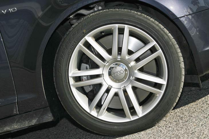 Audi S6: una berlina de carreras