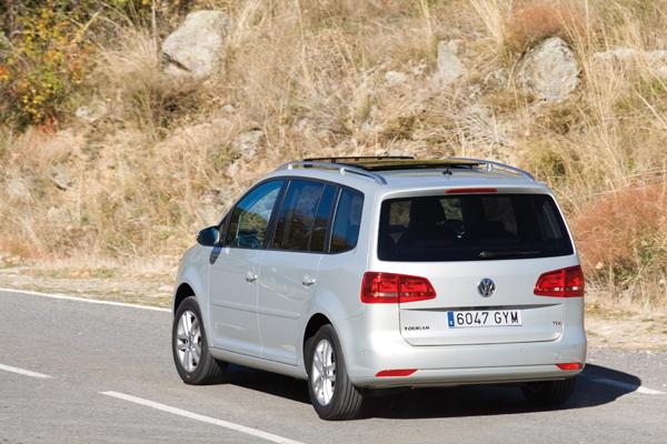 Volkswagen Sharan 2.0 TDI DSG y Volkswagen Touran 1.6 TDI