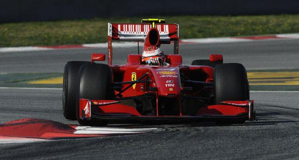 Kimi primero, Alonso más atrás