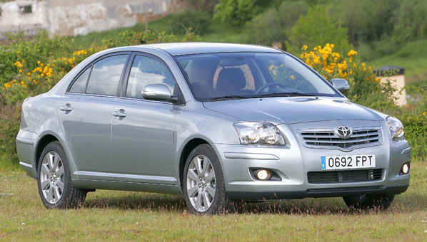 Toyota Avensis 2008, más completo