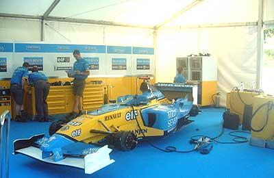 Pincha aquí para ver más fotos de Alonso.