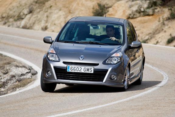 Fiat Punto Evo vs Renault Clio GT