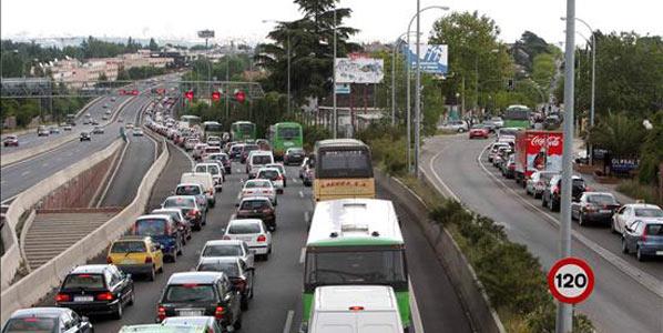 Fomento llega a un acuerdo con la patronal del transporte