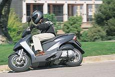 El carné de coche servirá para los scooters