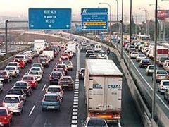 Operación Puente del Pilar en las carreteras