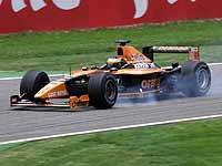 Un asombroso Barrichello salva el honor de Ferrari