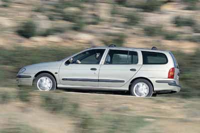 Opel Astra 2.0 DTi Caravan / Renault Mégane Break 1.9 dTi
