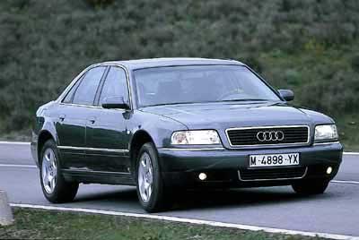 Audi A8 2.5 V6 Tdi 180 CV vs Mercedes S320 CDi