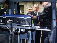 Madrid estrena radares y etilómetros móviles