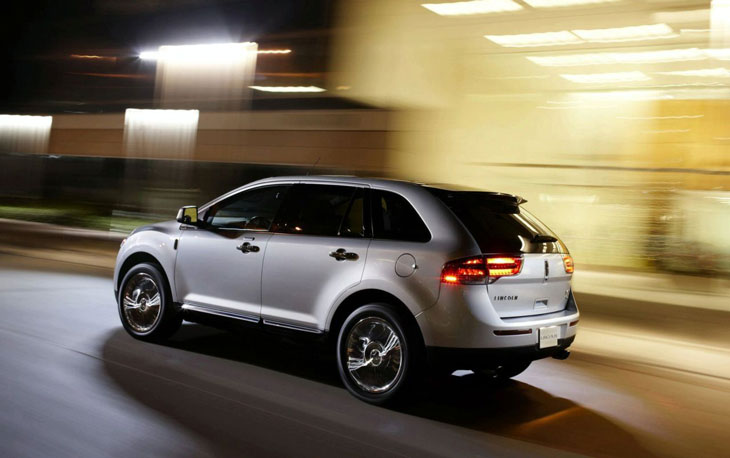 Lincoln MKX.