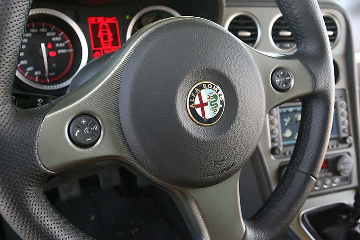 Alfa 159 Sportwagon 1.9 JTD-m Selective y Citroën C5 Tourer 2.0 HDi S detalles interior