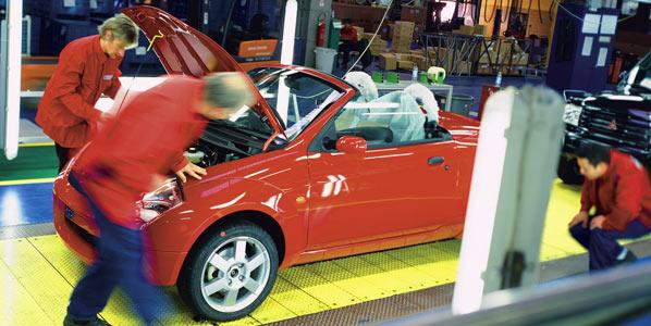 La producción de coches bajará un 15 por ciento