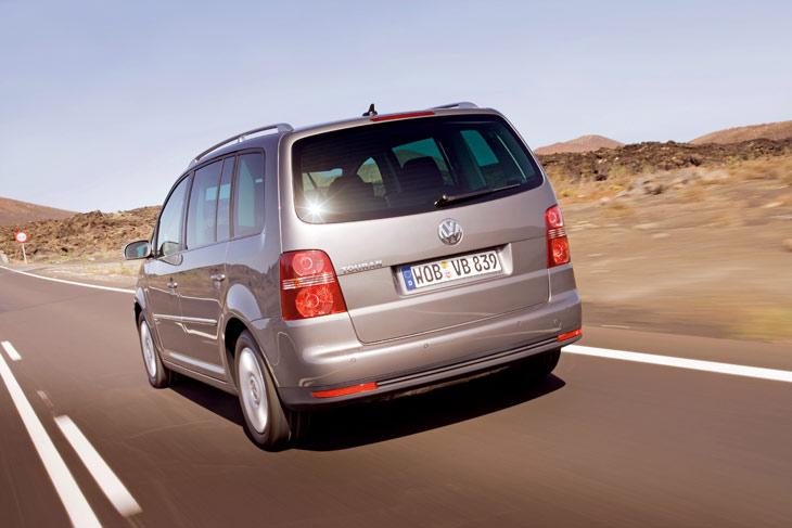 Volkswagen no introduce cambios en la oferta mecánica del Touran, compuesta por dos motores de gasolina y cinco Diesel.