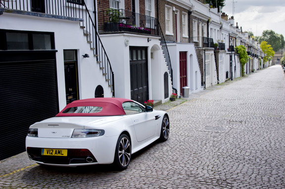 Aston Martin V12 Vantage Roadster, al detalle