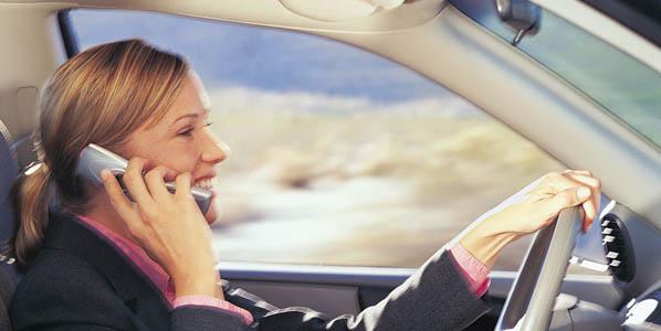 La DGT vigilará el uso del móvil