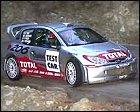 Richard Burns toma contacto con el Peugeot 206